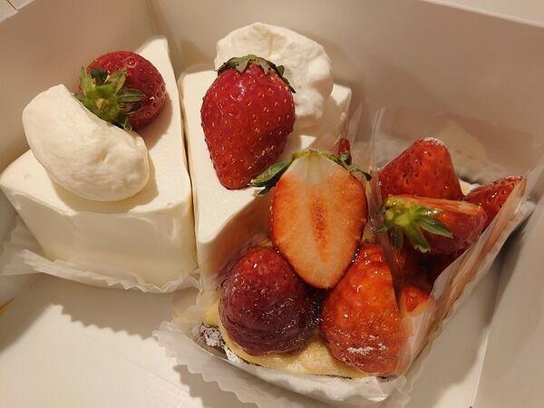 半月遅れのバースデーケーキは、上質を感じる苺のタルト。 《Sunny-Side》