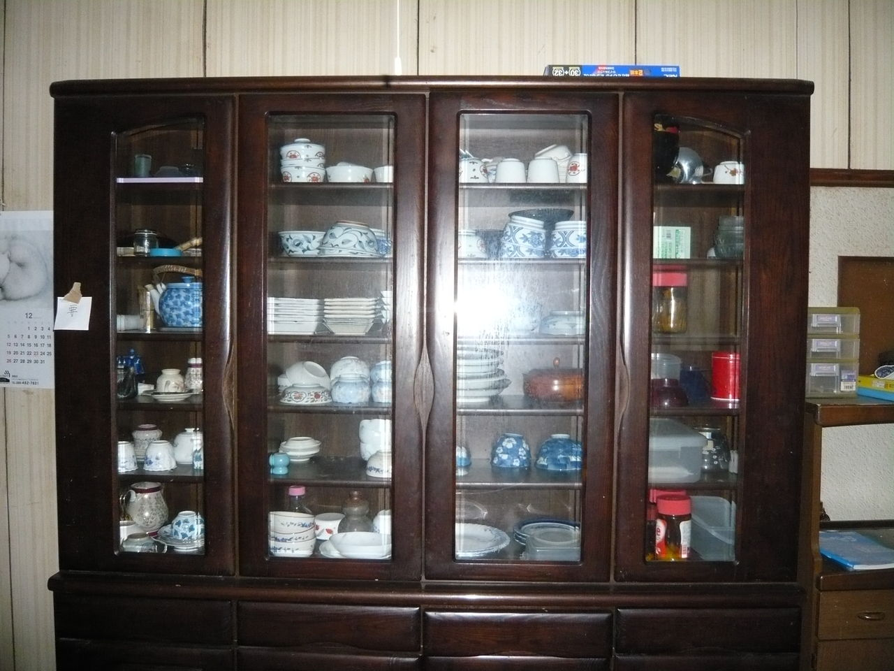 「古い食器棚」の画像検索結果