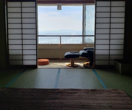 海の見える小さな整体室