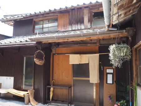 11-雲仙市小浜町 アイアカネ商店P6230994