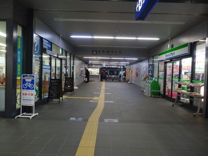 4-新鳥栖駅DSC09845