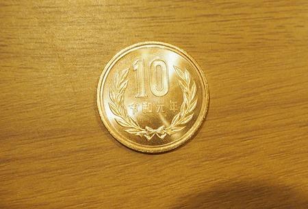 1-10円玉PA262895