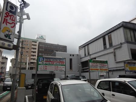21−親和銀行裏駐車場DSC09916
