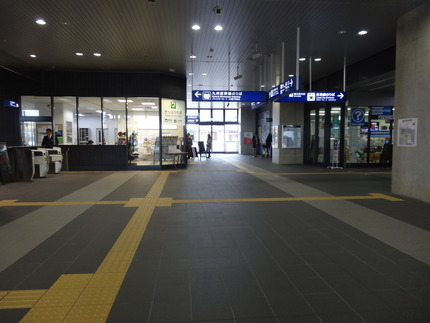 3-新鳥栖駅DSC09844