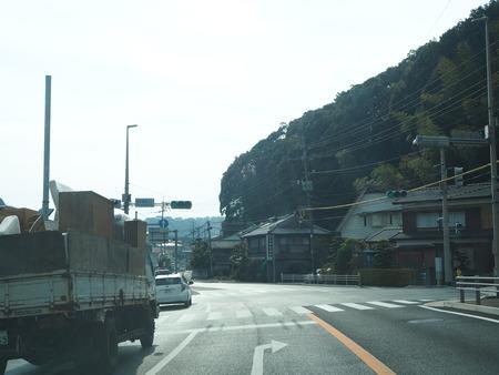 2-滝の上のトトロとメイのバス停PC230520