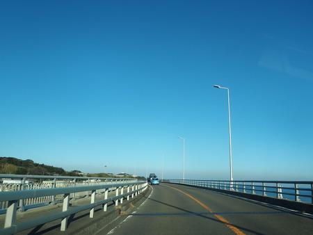 6−諫早市小長井町 フルーツバス停とコスモス、ひまわりPB120091
