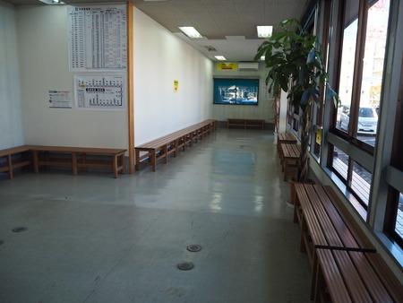 3-2-本諫早駅PB205754