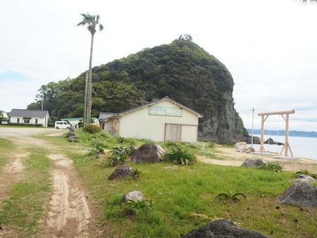 10-7-南島原市加津佐町 前浜海水浴場のブランコP4035557