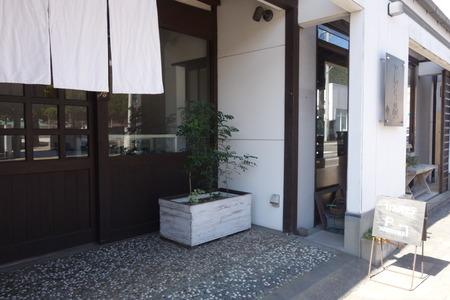 5−カフェ オモテDSC08016
