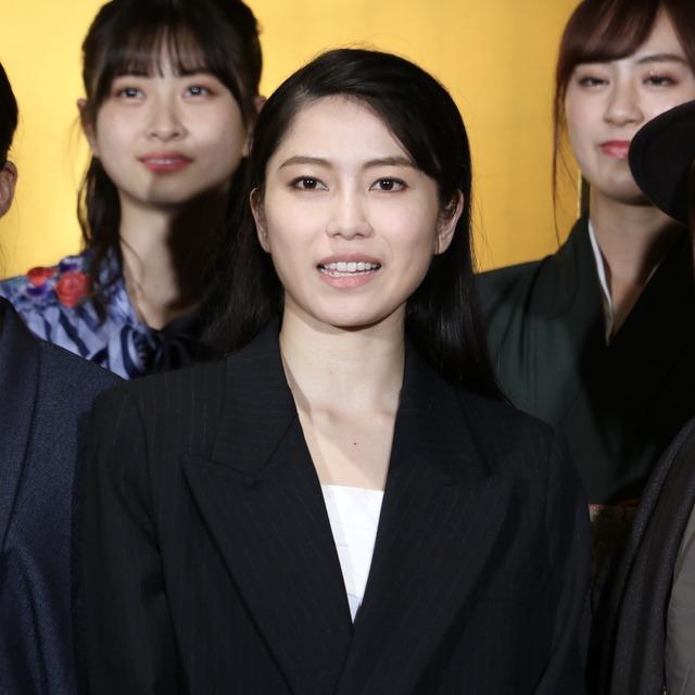 博多座「AKB48グループ特別公演」横山由依さん