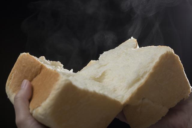 「銀座に志かわ 北九州八幡西店」食パンの湯気