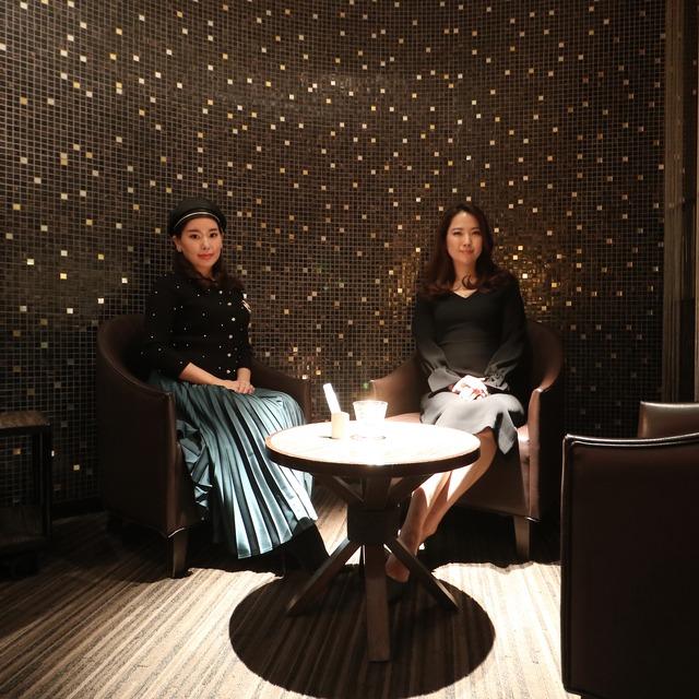 ANAクラウンプラザホテル福岡 M2F「メザニンバー」テーブル席