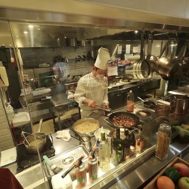 西鉄グランドホテル「グランカフェ」キッチン