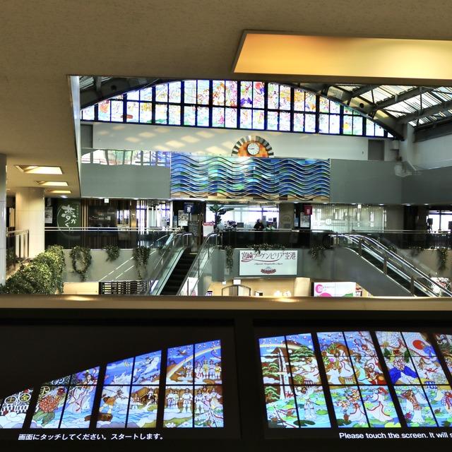宮崎ブーゲンビリア空港の日向神話ステンドグラスの見学タッチパネル