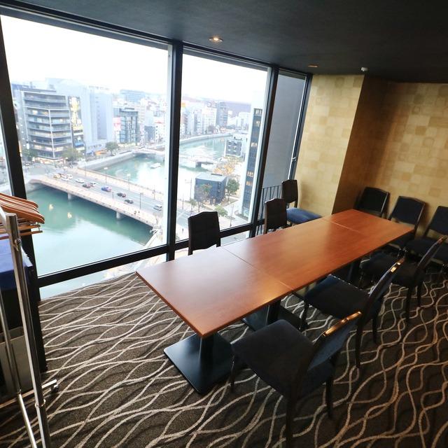 西鉄イン福岡13F「レストラン&バー ブロッソ」個室
