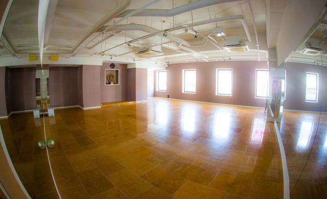 日本初の制菌加工スタジオ「YOGABREEZE薬院」岩盤ホットヨガ