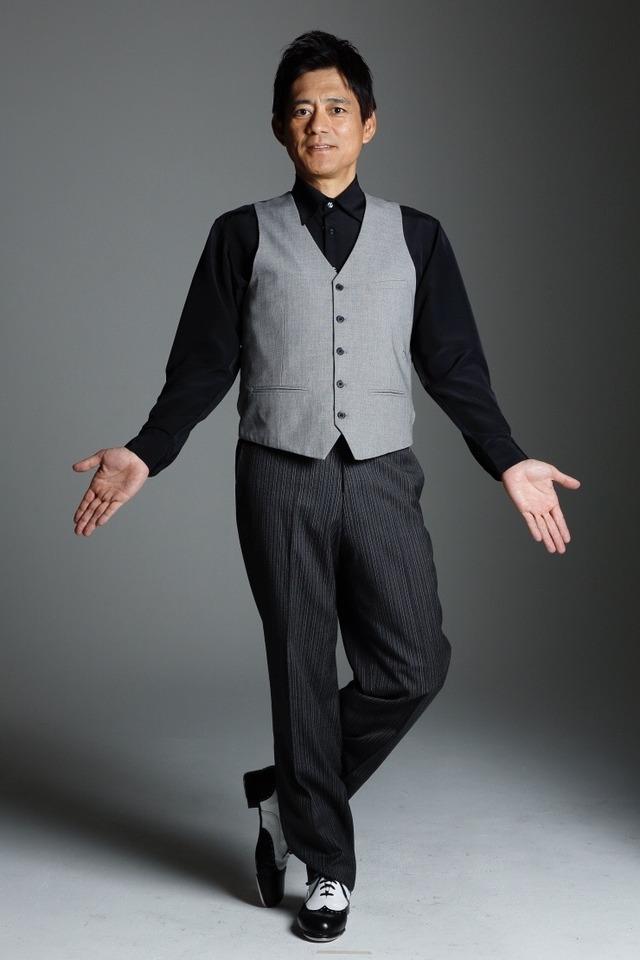 博多座で博多華丸さん主演「羽世保スウィングボーイズ」ダンス衣装
