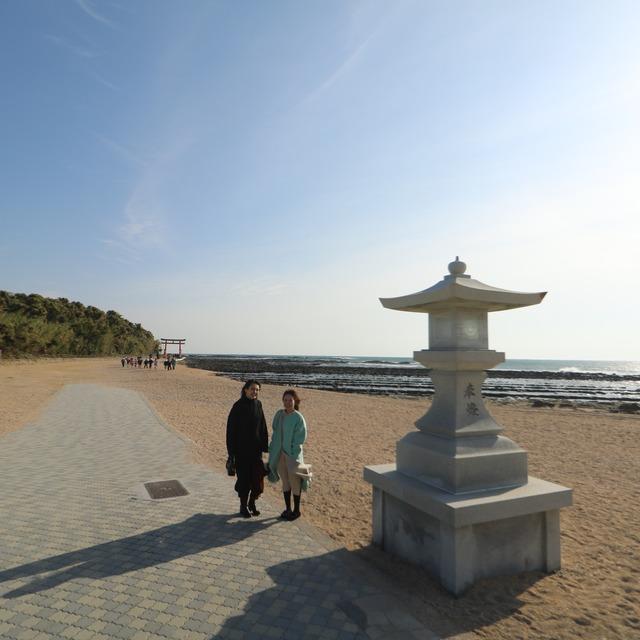 ORC福岡-宮崎便で行く女子旅。青島入口の大灯篭。