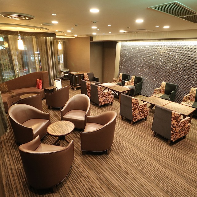 ANAクラウンプラザホテル福岡 M2F「メザニンバー」会議室