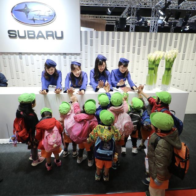 福岡モーターショー2019_スバル_コンパニオン