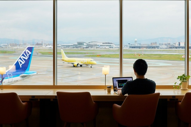 TSUTAYA BOOKSTORE 福岡空港