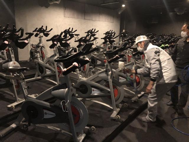 BASECYCLEスタジオ施工風景 スピンバイク