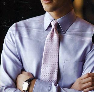 ネクタイの巻き方 ネクタイの結び方 ネクタイの締め方 紫のネクタイ
