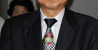 鳩山由紀夫 派手なネクタイ