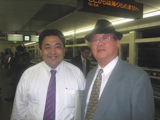 甲南チケット小林社長と私 社長のネクタイの締め方・結び方