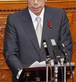 ネクタイの締め方 グレーのネクタイ 福田首相 クールビズ