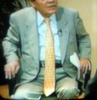 長いネクタイ ネクタイの巻き方