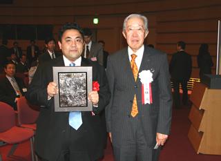 三洋電機井植前会長のネクタイの結び方 ネクタイの締め方 巻き方