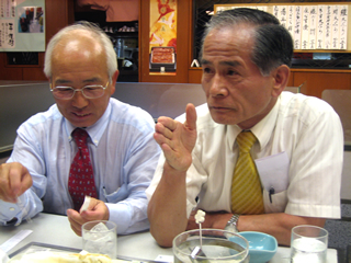 ネクタイの巻き方 締め方 神戸洋服細田さん 特許布団佐藤さん