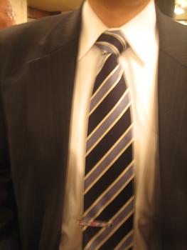 ネクタイ 締め方 結び方 巻き方 縛り方 ワンタッチネクタイ 役人