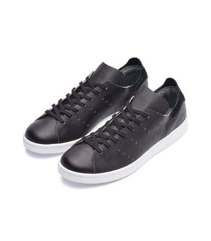 adidas_wings_and_horns_black_F45_1024x1024