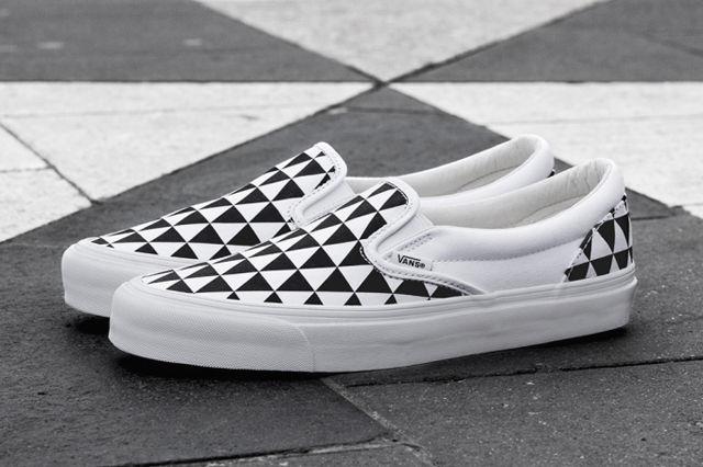 sneakersnstuff-x-vault-by-vans-og-classic-slip-on-lx-stockholm-2