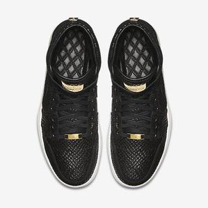 Air-Jordan-1-Pinnacle-Mens-Shoe-705075_030_D_PREM