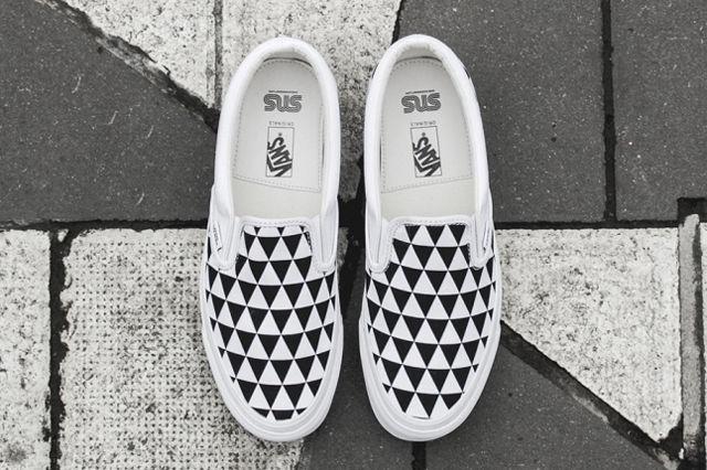 sneakersnstuff-x-vault-by-vans-og-classic-slip-on-lx-stockholm-3