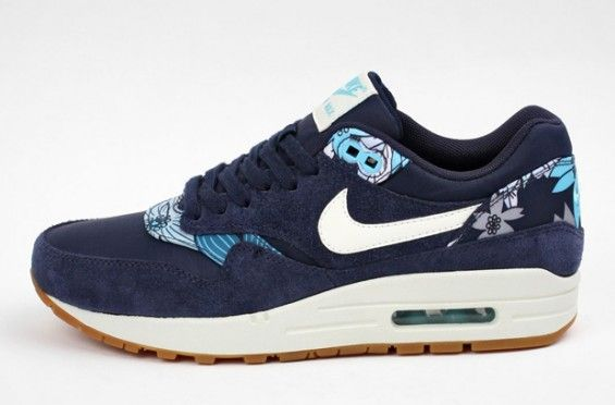 More-Colorways-For-The-Nike-Aloha-Pack-1-565x372