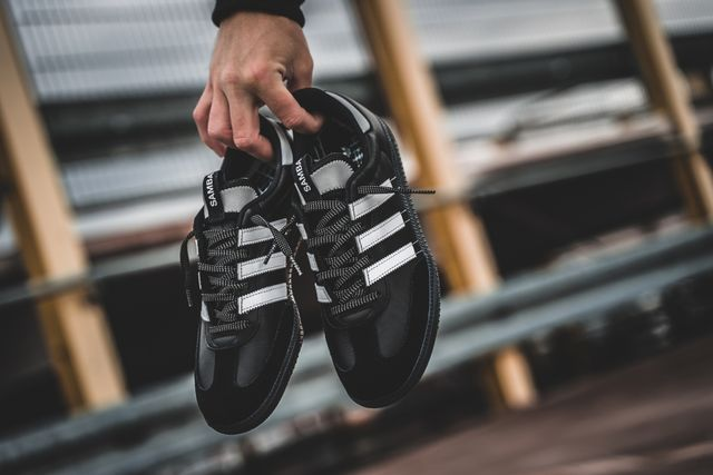adidas-samba-og-ms-black-white-bd7523-mood-1