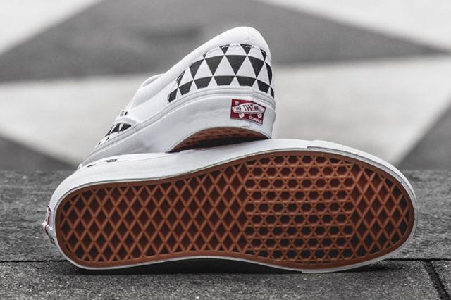 sneakersnstuff-x-vault-by-vans-og-classic-slip-on-lx-stockholm-5