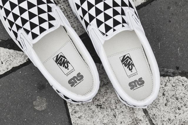 Sneakersnstuff-x-vault-by-vans-og-classic-slip-on-lx-stockholm-6