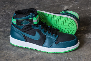 air-jordan-1-high-strap-teal-green-spark-02