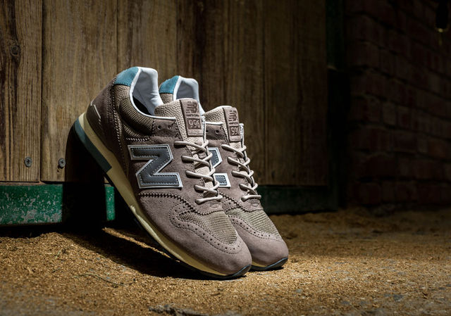 invincible-new-balance-996-1
