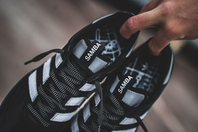 adidas-samba-og-ms-black-white-bd7523-mood-3
