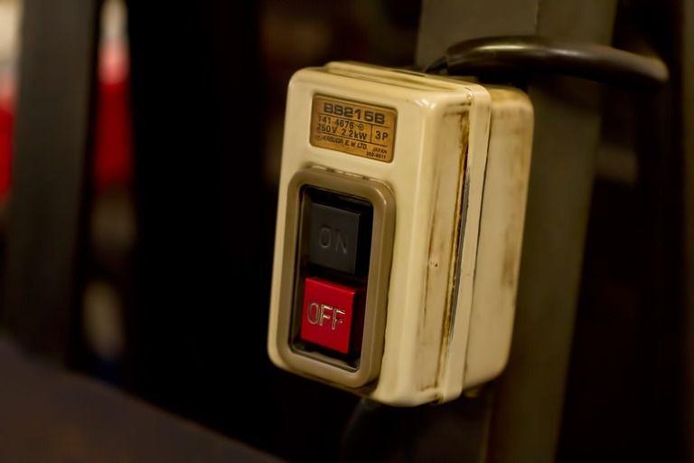 4種のボタンのどれを押しても鳴らない