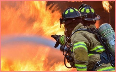 消防士の肉体がたくましすぎる…!(画像あり)