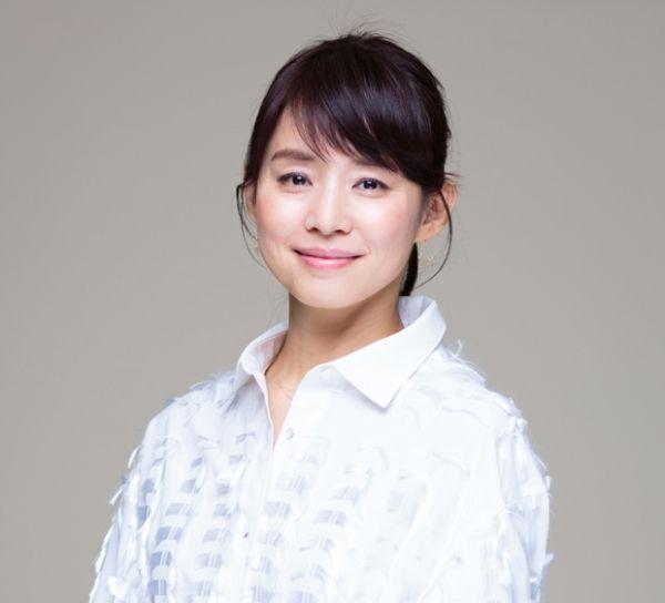 【朗報】石田ゆり子(48)、超美乳だった!!!!!
