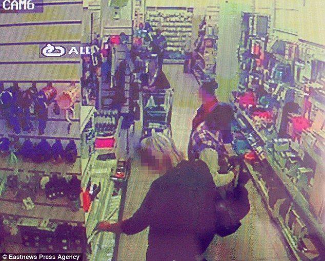 【画像】万引きにブチ切れた店主の親父、万引き犯を店内のテレビで放映 → 万引き被害が半分に