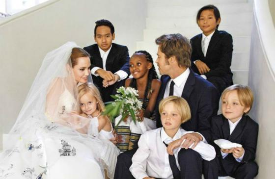 【画像あり】ブラピとアンジェリーナ・ジョリーの家族wwwwwwwwwwwwwww